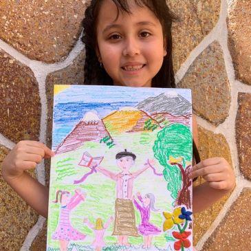 Estudiante de Primero Básico Gana Concurso de Dibujo sobre Gabriela Mistral