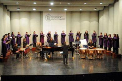 Coro Femenino de Cámara PUCV Ensamble femenino de Percusión Chile Director Boris Alvarado