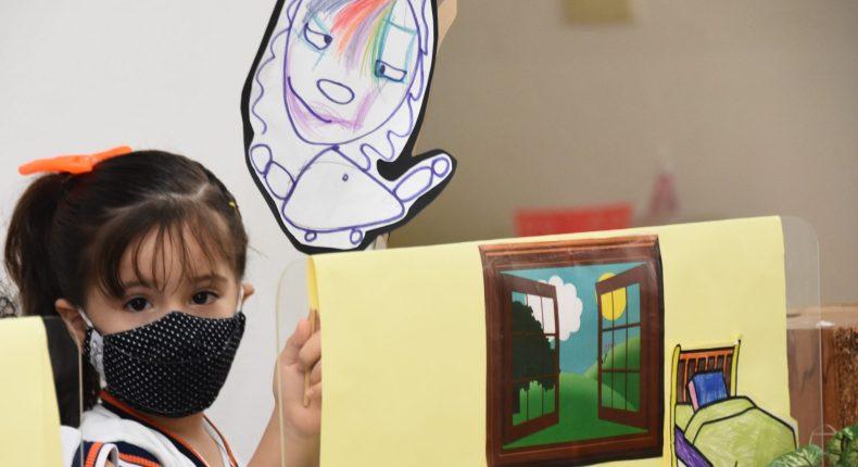 Infantil IV apresentam teatro de fantoches Cachinhos Dourados e os Três Ursos