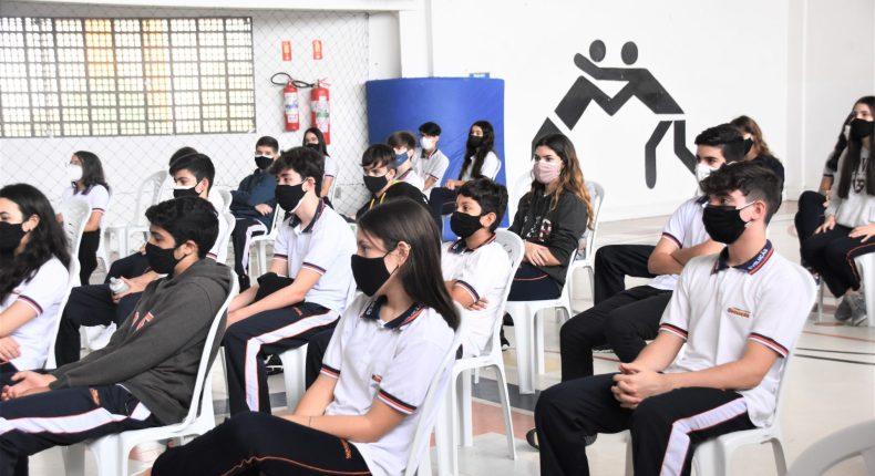 Turmas do 9º ano participam de momento de apresentação do Novo Ensino Médio