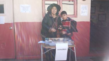 mamá de Sergio Zúñiga participando de los stand zona sur....