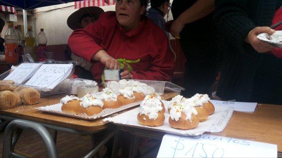 Dulces Chilenos stand de 2do básico