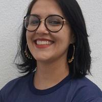 Caroline de Lara (1ª e 2ª Série - Filosofia _ 3ª Série - História do Brasil)