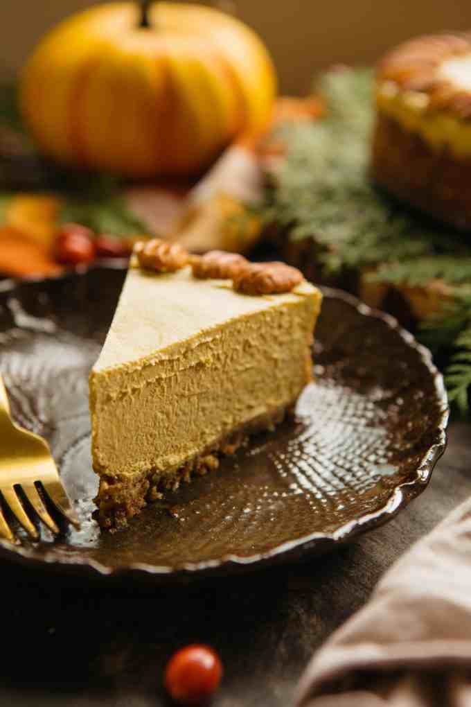 Raw Vegan Pumpkin Cheesecake | ColeyCooks.com