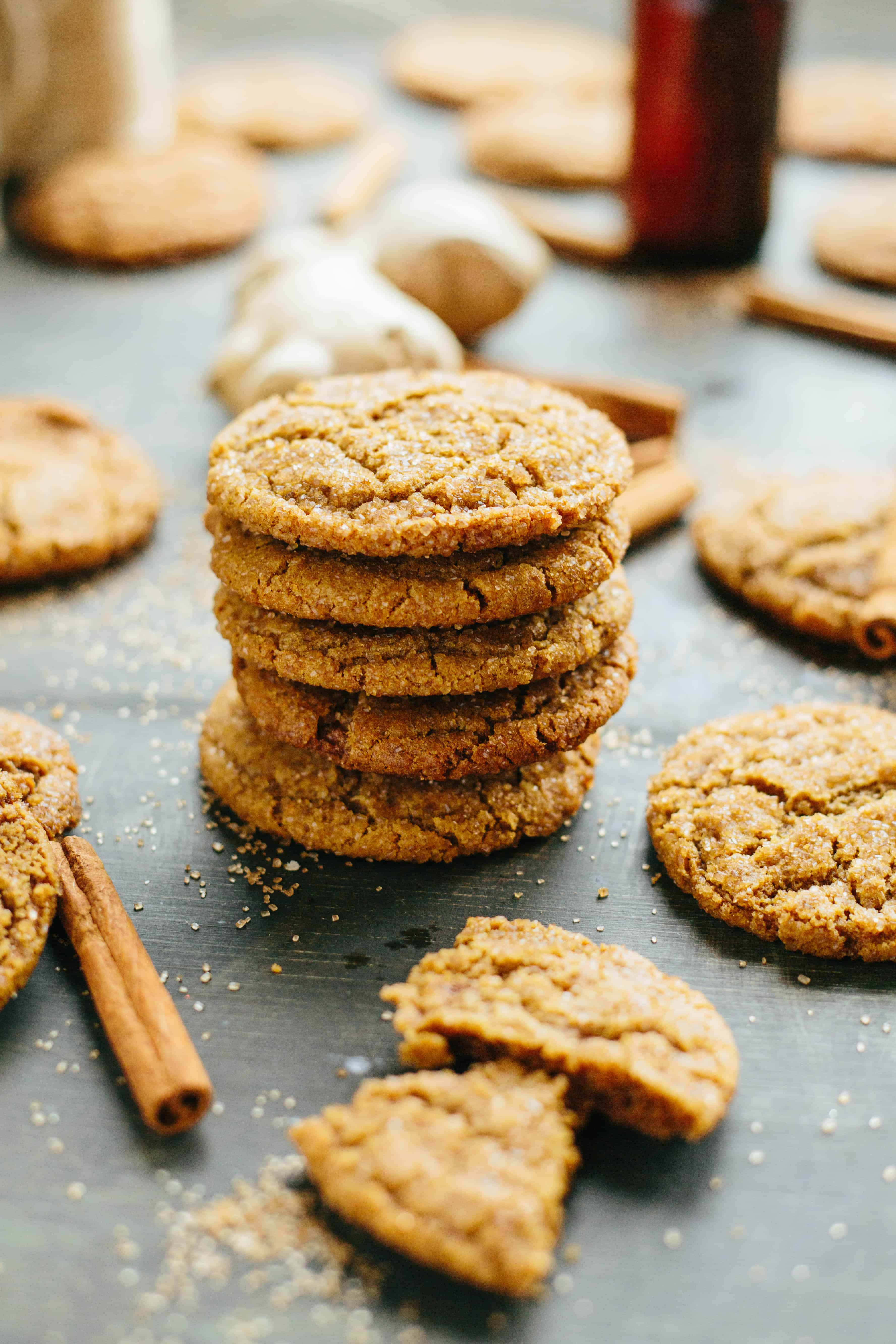 Brown Butter Ginger Molasses Cookies are lightly spiced and intensely buttery with a chewy, crispy texture. An easy Christmas cookie recipe made even better with brown butter #easy #christmas #cookie #recipe #ginger #molasses #gingersnap