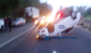 se-registra-fuerte-accidente-en-la-autopista-manzanillo-colima2