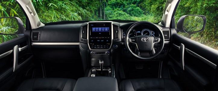 LC200_Interior