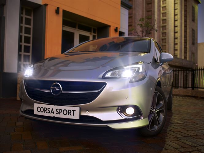 my17-opel-corsa_sport_fl_cu_lifestyle-lights_880x500