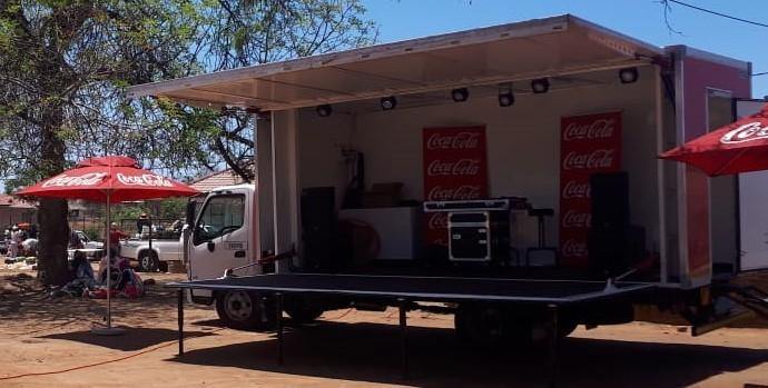 hino 300 - coca cola promotional truck