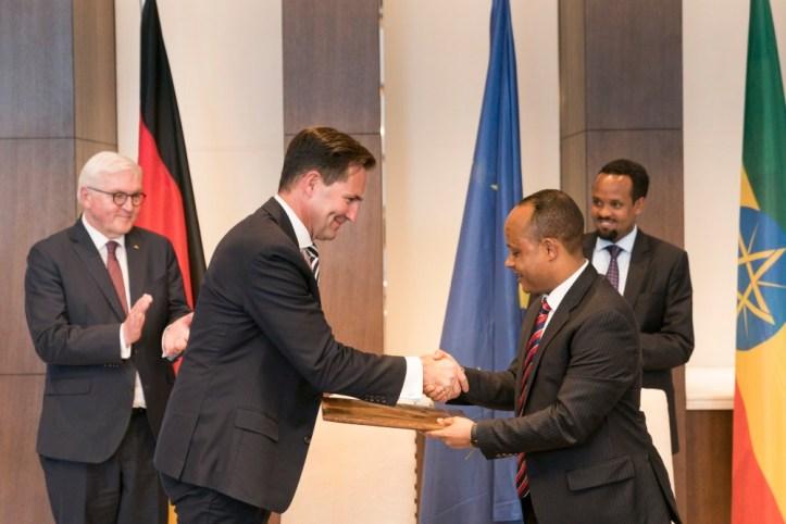 volkswagen signs memorandum of understanding with the ethiopian government to develop automotive industry_02