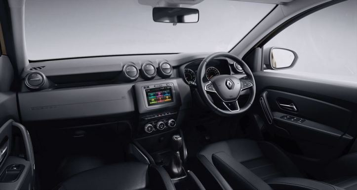 renault-duster_dynamique-4x4-interior-dash_880x500