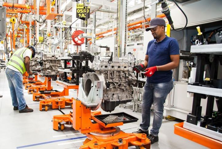 ford-struandale-engine-plant-bi-turbo-assembly-17_880x500