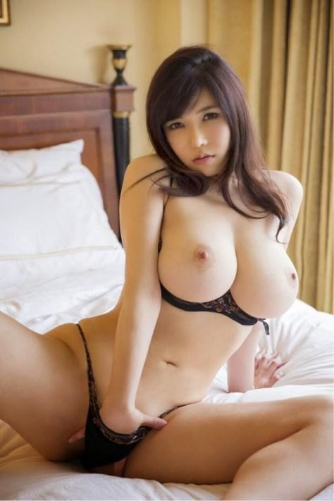 asiaticas e seus belos enormes seios (4)