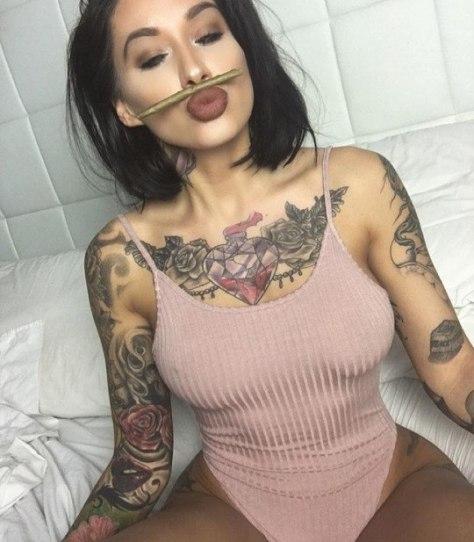 gostosas-tatuadas-10