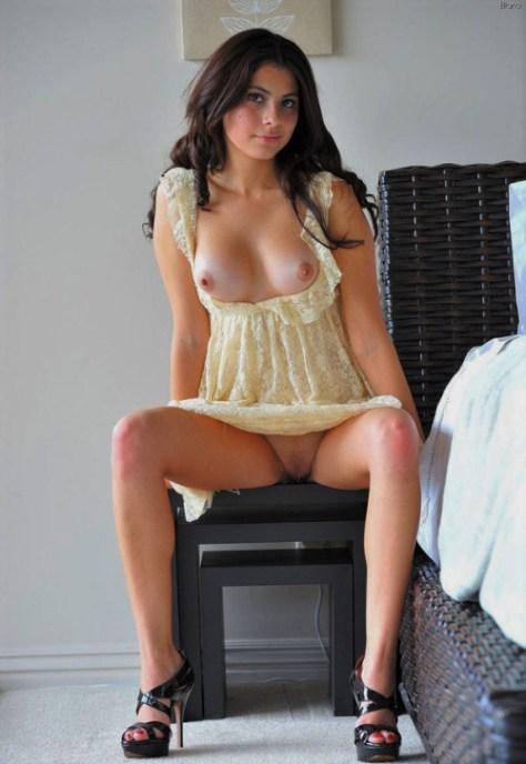 Mini saia ou vestido sem calcinha