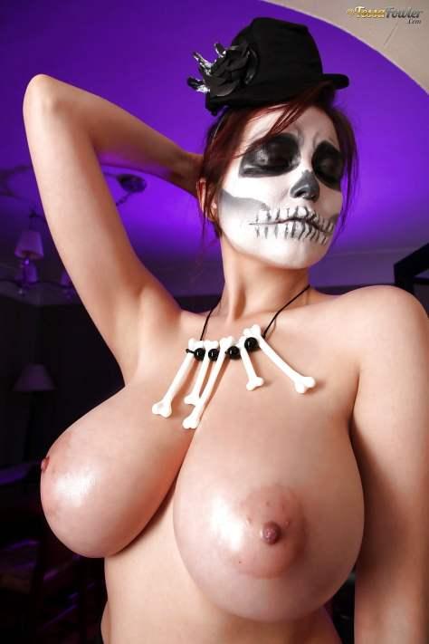 Preparadas para o Halloween - Gostosas Fantasiadas