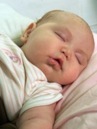 Los bebés aprenden incluso cuando duermen
