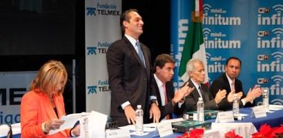 TELMEX y Fundación TELMEX entregan más de 35 mil Becas a estudiantes de todo el país.