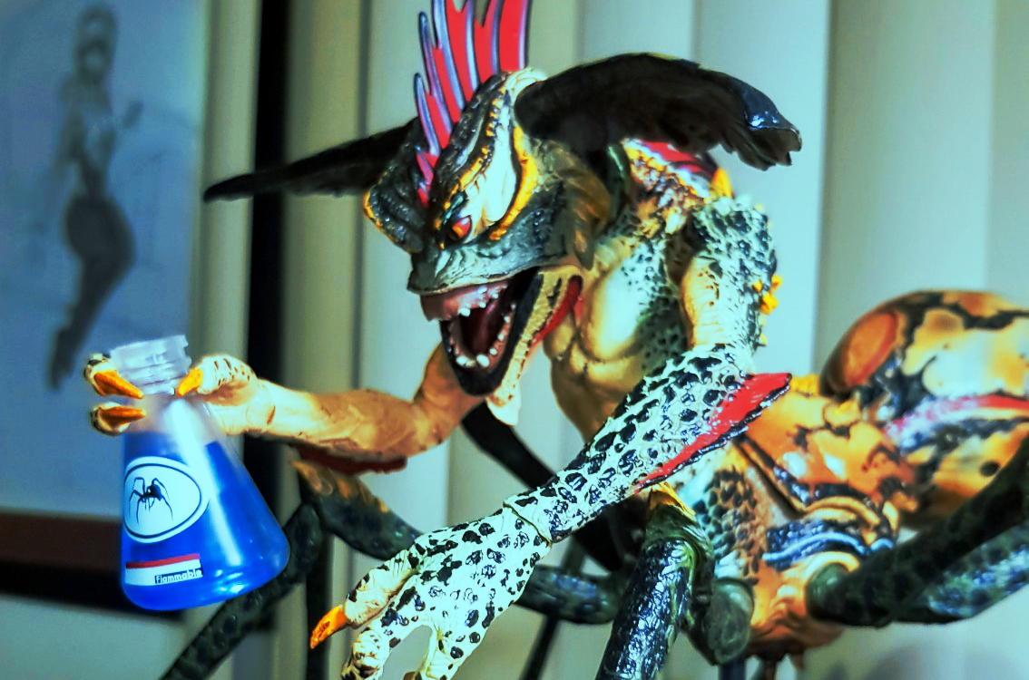 La terrorífica Spider Gremlin de Gremlins 2, Deluxe Action Figure Boxed- ha regresado
