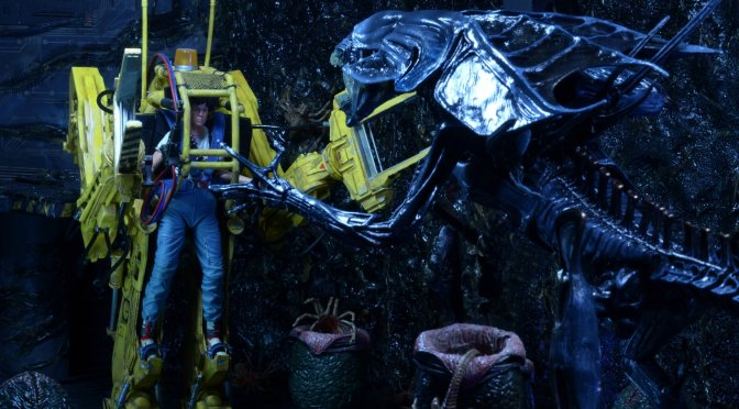 Now available in limited quantities Aliens – Deluxe Vehicle – Power Loader P-5000!