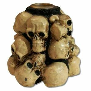 skull-mound-candle-holder