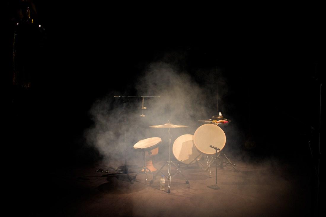 Espace Posilini, percussions, fumée