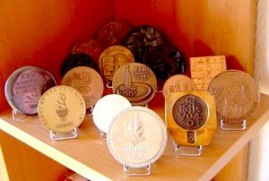 interview collectionneuse, médailles de participant