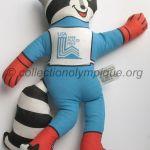 1980 Lake Placid mascotte olympique, Roni le raton laveur, tissu hauteur 37 cm