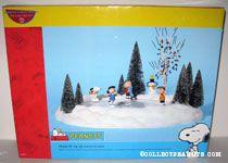 Peanuts Gang Ice skating pond Figurine Set