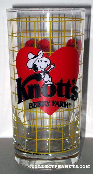 Cowboy Snoopy leaning on heart Knott's Berry Farm Glass