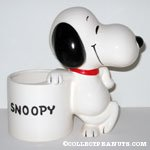 Snoopy leaning on barrel 'Snoopy' Planter