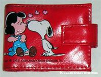 Snoopy kissing Lucy Red Wallet
