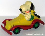 Snoopy and Woodstock in yellow and red roadster - Large figure