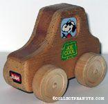 Peanuts & Snoopy Aviva Wood Toys