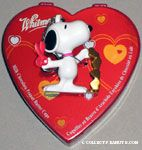 Snoopy holding scissors and gold hearts Valentine's Keychain & Chocolate Container