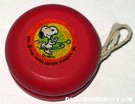 Snoopy with yo-yo Yo-Yo