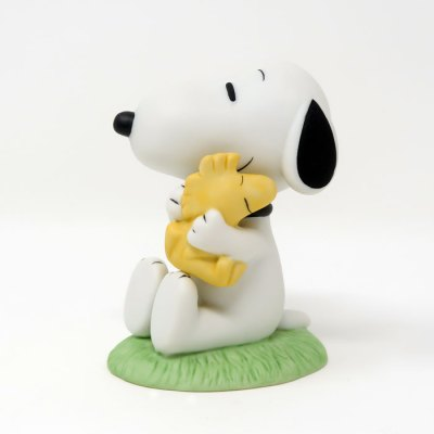 Snoopy hugging Woodstock Figurine