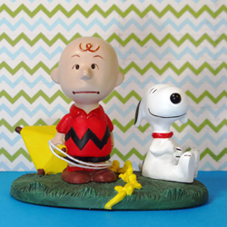 Click to view Peanuts Danbury Mint Figurines