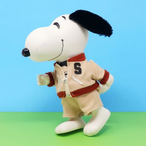 Jogging Snoopy Doll