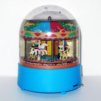Peanuts Carrousel Musical Snowglobe
