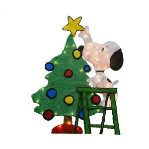 Decorating with Peanuts Christmas Collectibles
