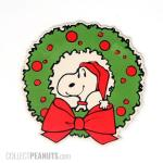 Snoopy in middle of Christmas wreath gift trim