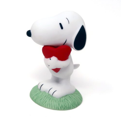 Snoopy Holding Heart Figurine