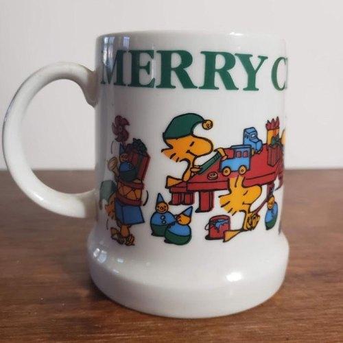 Snoopy 1983 Christmas Stein