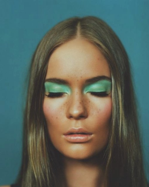 green eyeshadow freckles beauty make-up