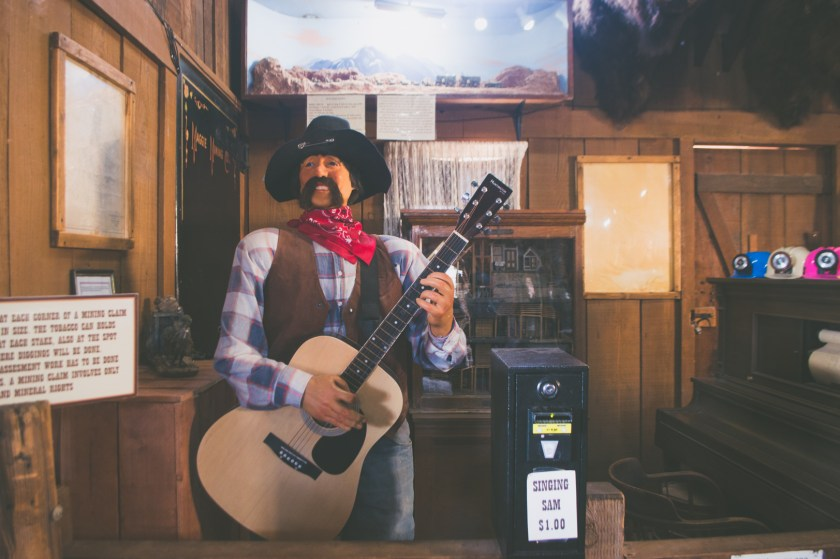 A singing animatronic cowboy at Calico Ghost Town | ColleenWelsch.com