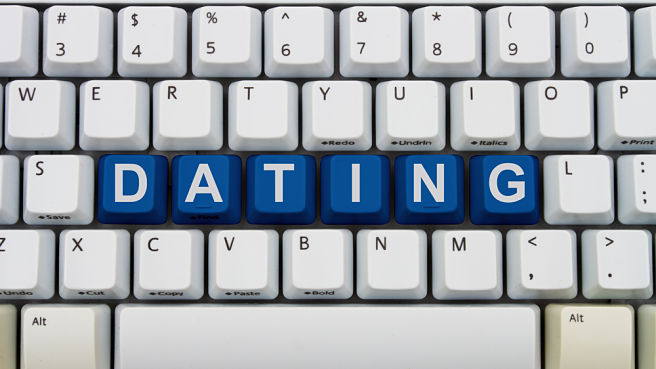 online dating, tinder, college advice