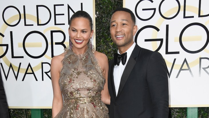 John Legend racist paparazzi, Chrissy Teigen tweets