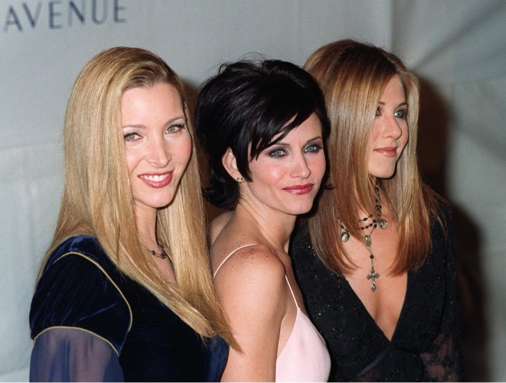 Lisa Kudrow, Courtney Cox and Jennifer Aniston from Friends on the red carpet