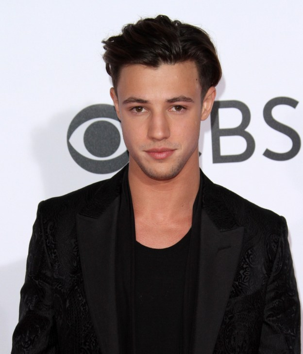 Cameron Dallas at he 2017 People's Choice Awards